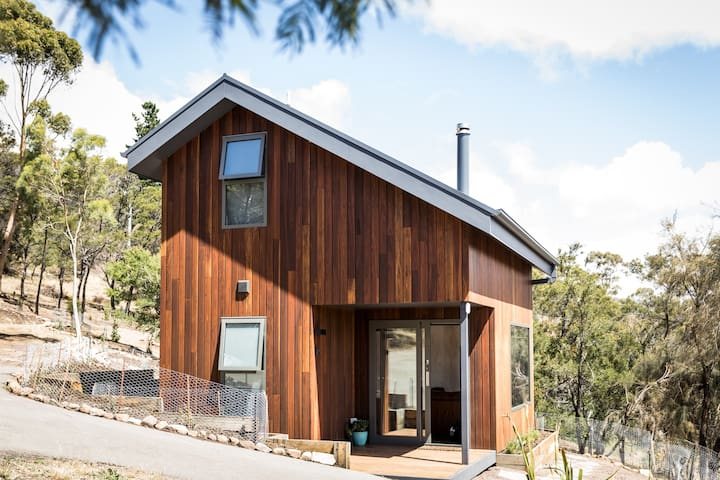 Coal Valley Studio - Bush Haven near Richmond