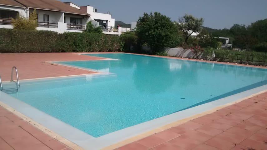 Appart 2 ch  terrasse piscine été - Ruoms - Pis