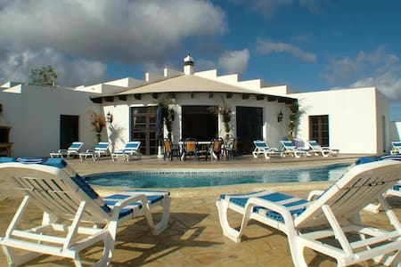 Large Luxury Villa in Guime, Lanzarote - Güime