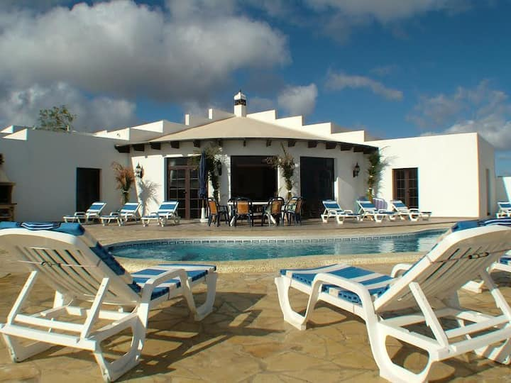 Large Luxury Villa in Guime, Lanzarote
