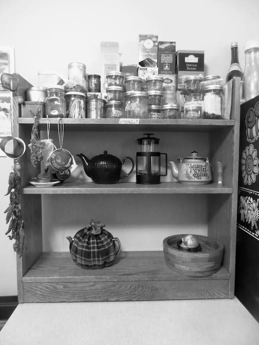 Communal teas and apothacary