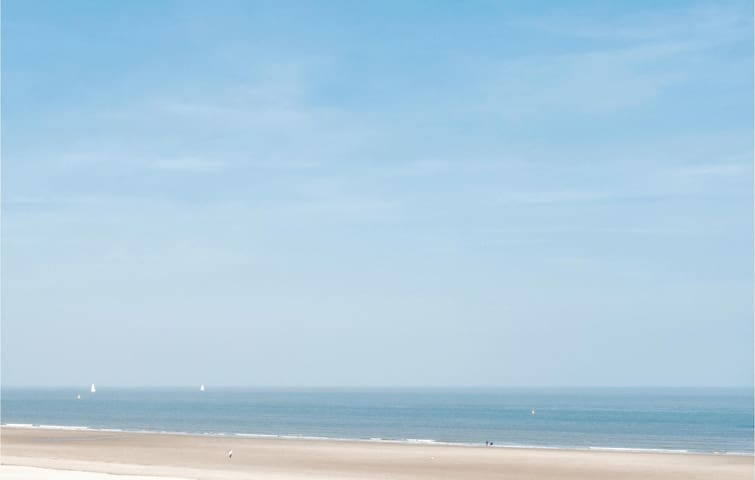 Holiday apartment with 2 bedrooms on 80m² in Oostende