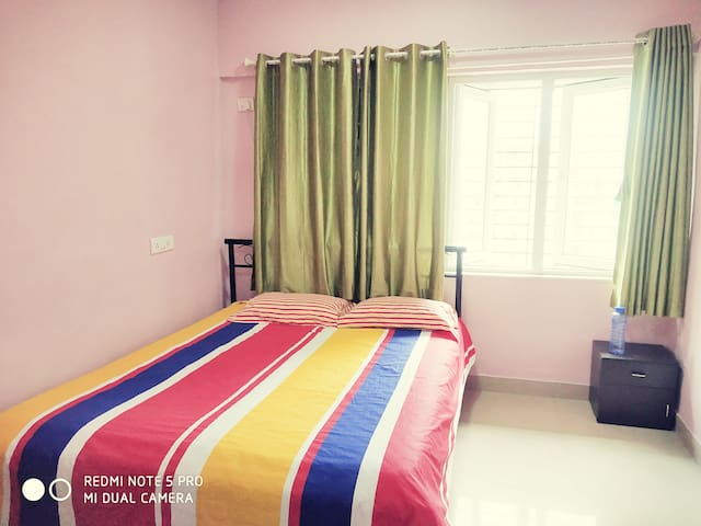 Blissful AC Homestay For Working Professional