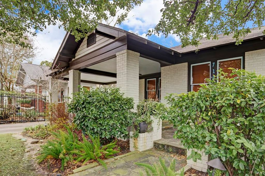 Fantastic Bungalow in the Heights built in 1920
