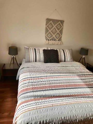 Bedroom 4 - queen size bed