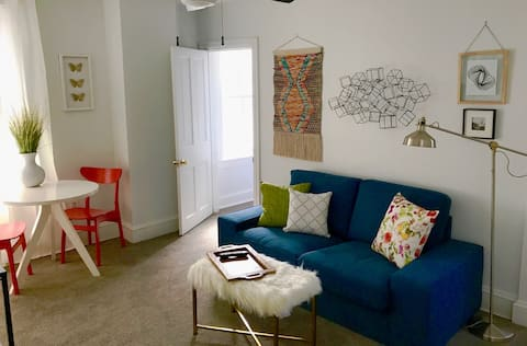 Town & Country I: Private Apt - Minutes From City