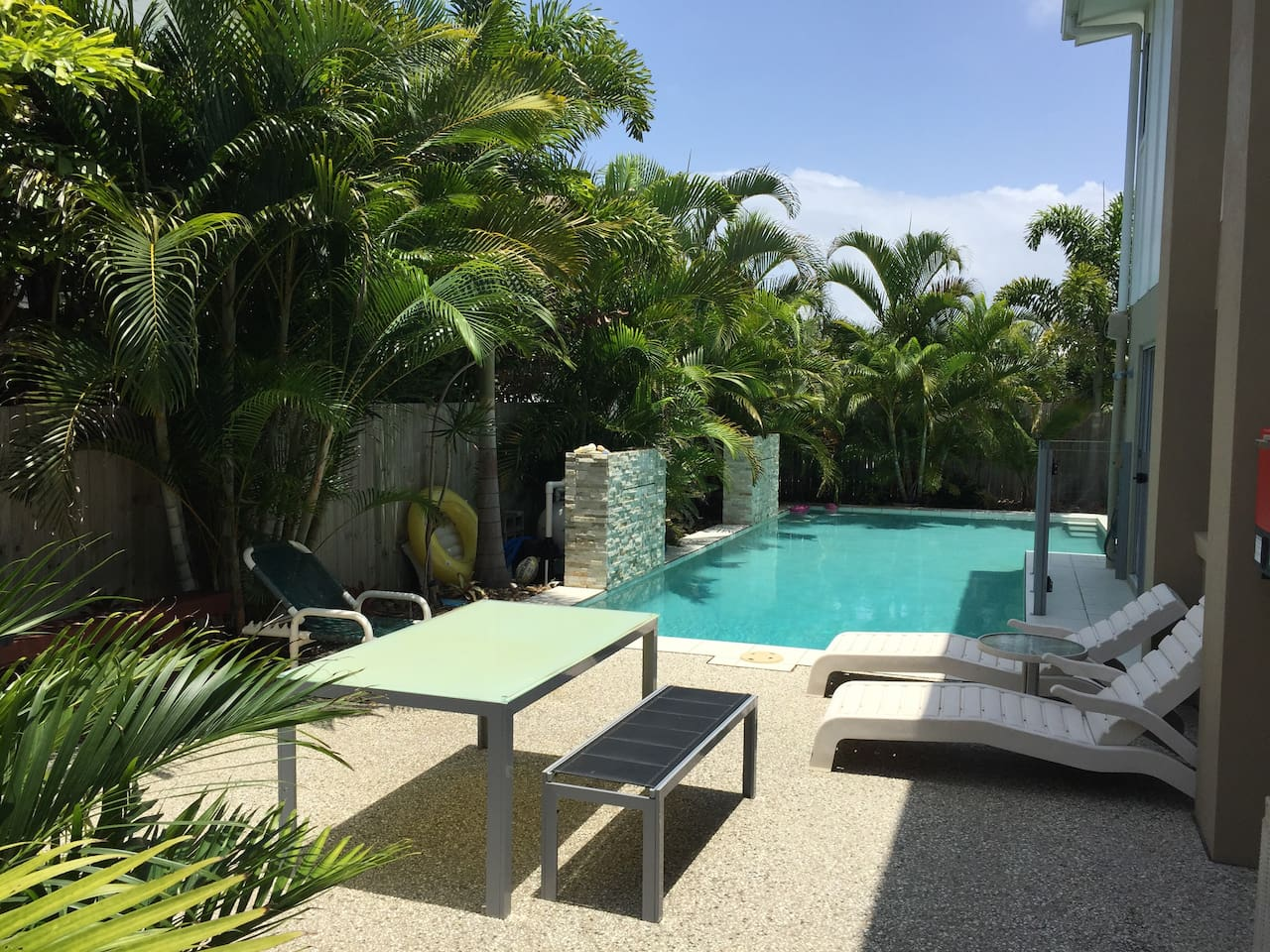 Side Patio with 11m pool