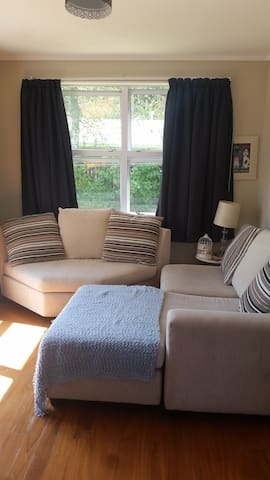 Spacious 1 Bedroomed unit & private terrace