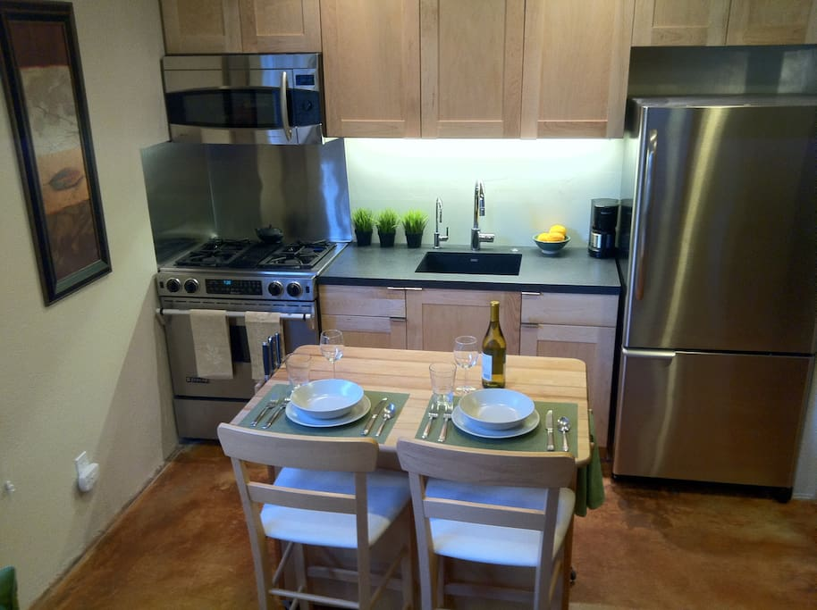 Gourmet Kitchen  with Reverse Osmosis filtered water