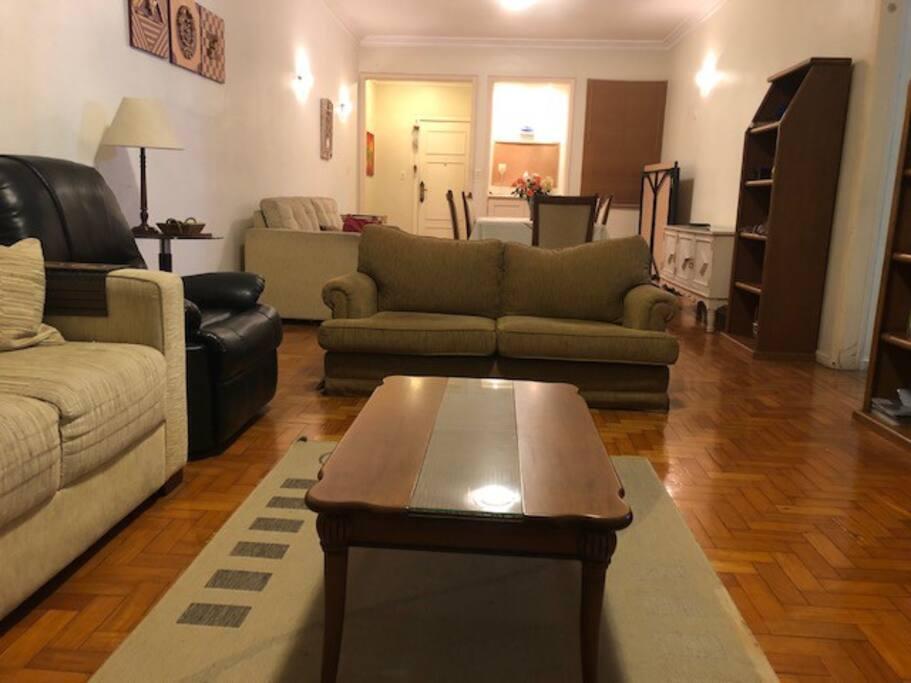 living room/sala de estar