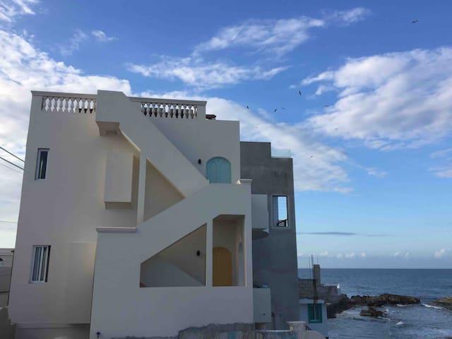 Casa Contenta on the Caribbean Sea. 2nd floor