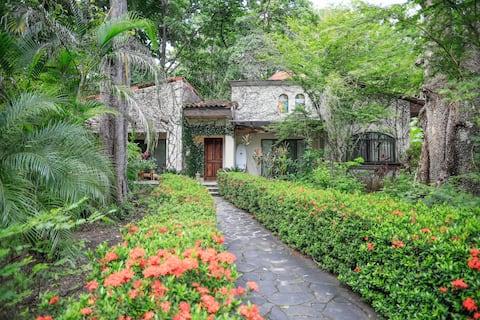 Two-Bedroom Villa on BEACHFRONT Hermosa property Y
