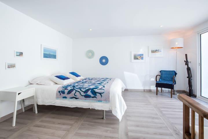 Grande chambre indépendante et tout confort - Marselha