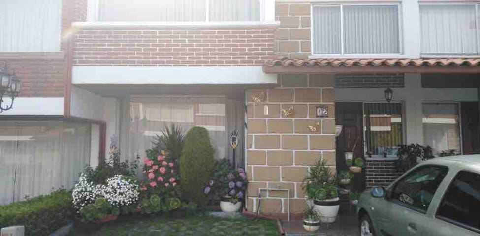 Hospedaje en zona residencial segura