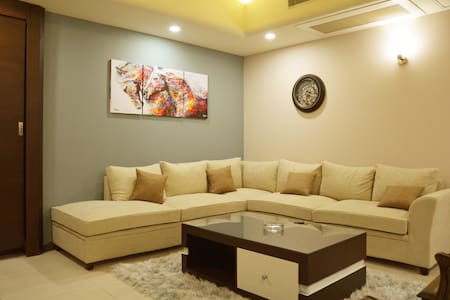 Luxury 3bd+3bth in the Heart of Islamabad!