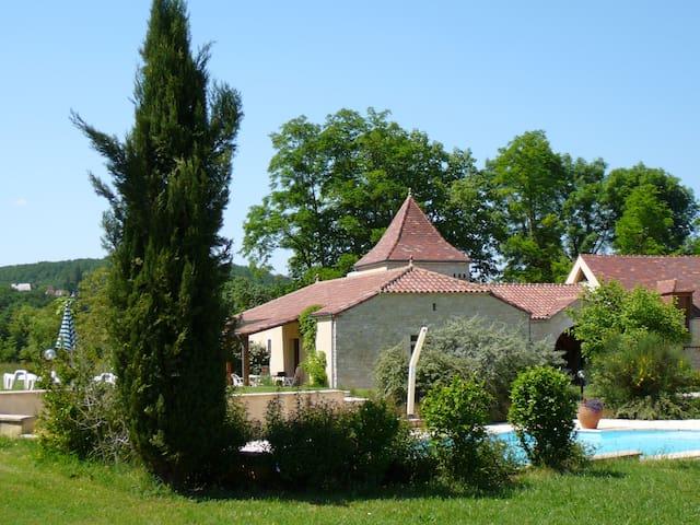 Domaine La Cabane, 3 vakantiehuizen met zwembad - Dégagnac - Dom