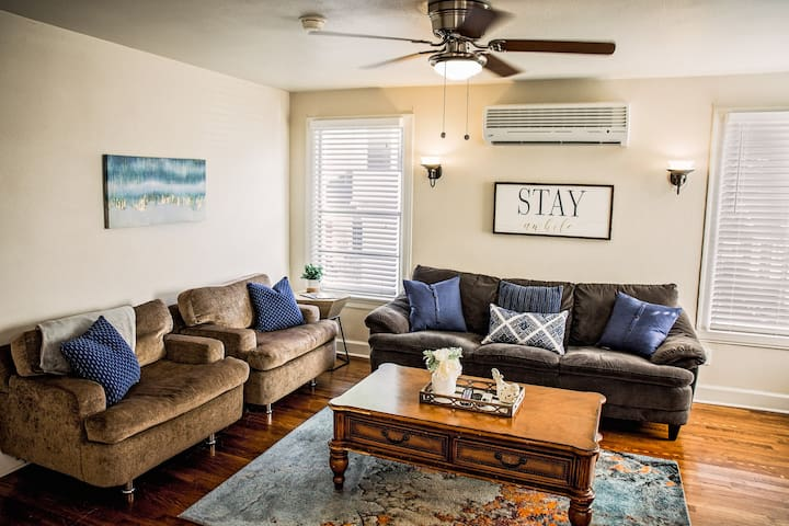 2 Br Apt Close to  Fort Worth Cultural District