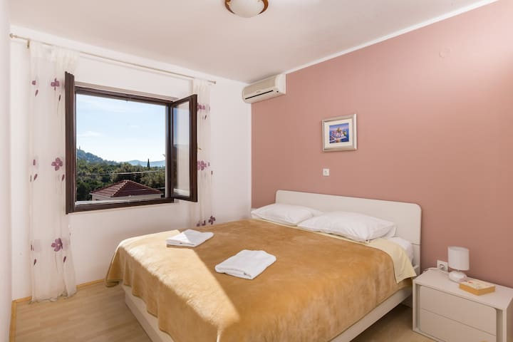 Villa Katarina- Double Room with Shared Balcony 2