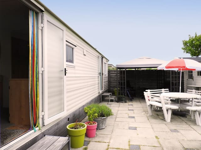 Chalet near sea Renesse — 5* Julianahoeve camping