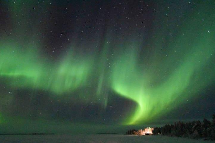 Camp Caroli Icehotel Kiruna Northern lights