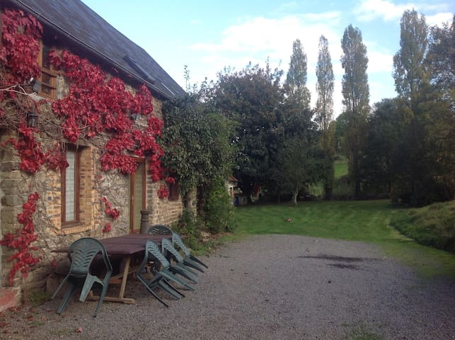 Ground-floor rural winter retreat. - Souleuvre en bocage - Lejlighed
