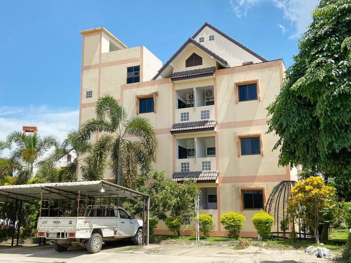 OYO Life Golden Ville Villa 2/Monthly rooms