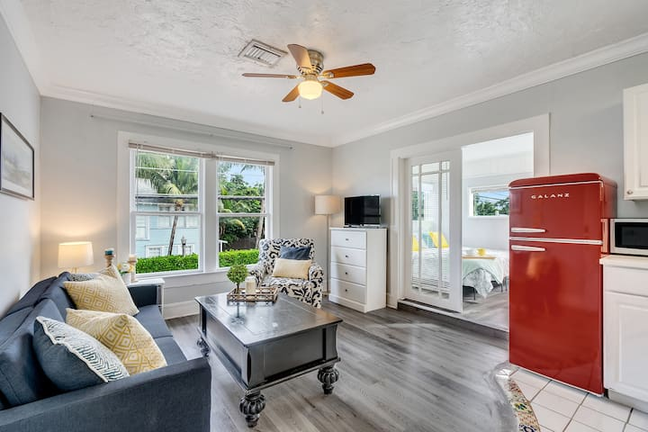 Cozy Cottage 1 Blk from Intracoastal-Historic Home