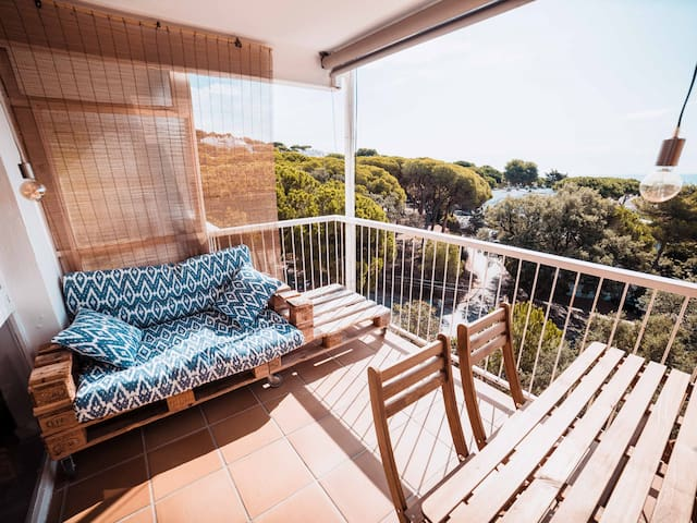 Romantic apartment with sea views in Platja d'Aro