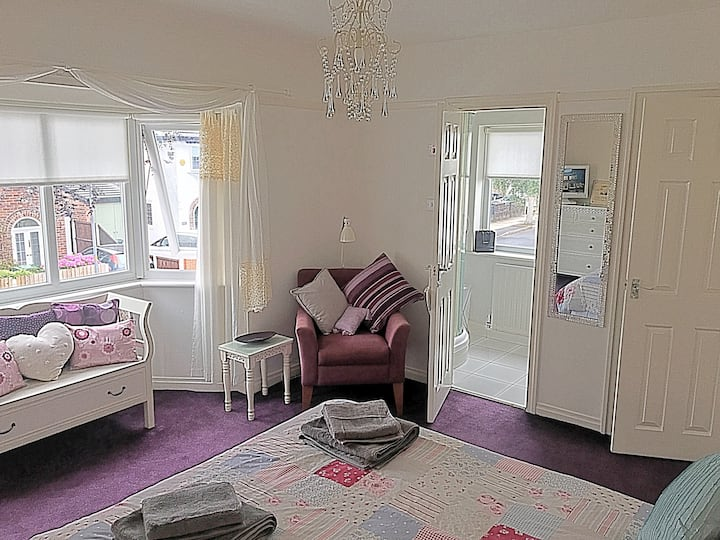 Ensuite room, Crosby, Liverpool