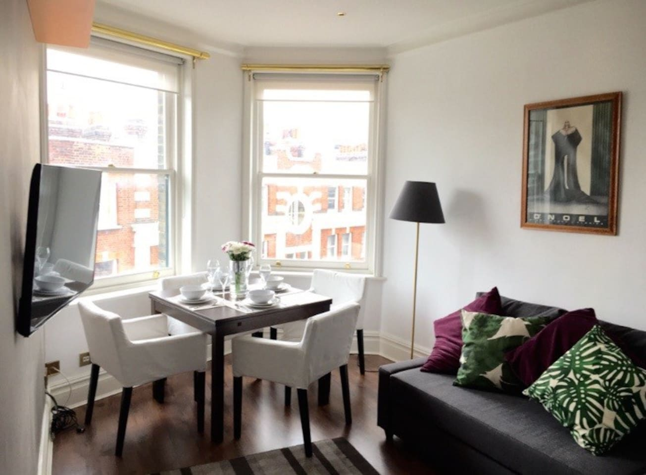 PRIVATE ENTRANCE/SOLE USE 2 bedrooms apartment