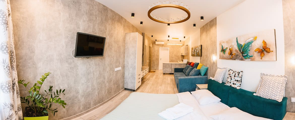 Royal Tower Luxurious Smart Residence (1)