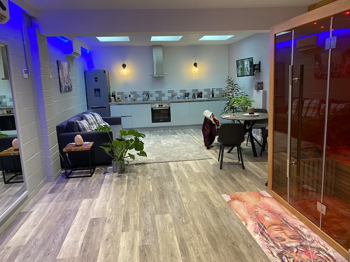Amazing high quality creative space with sauna