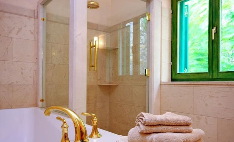 Spa quality bathrooms for two!