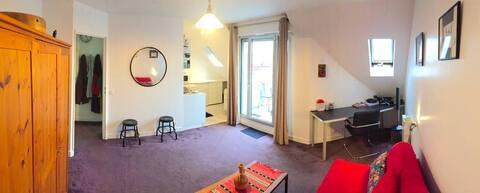 Cosy studio with terrace near Paris