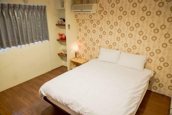 三義幸福小築民宿-甜蜜樓中樓雙人房 - Sanyi Township - Bed & Breakfast