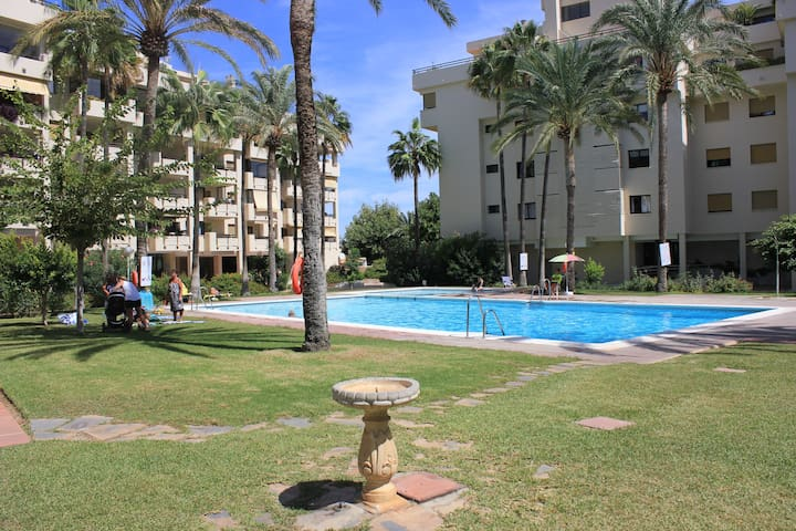 Beachfront apartment in Carihuela Torremolinos