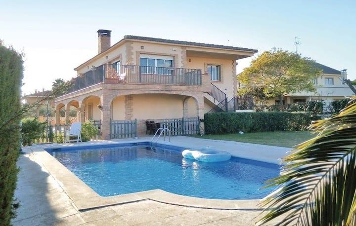 Preciosa casa rustica individual con piscina