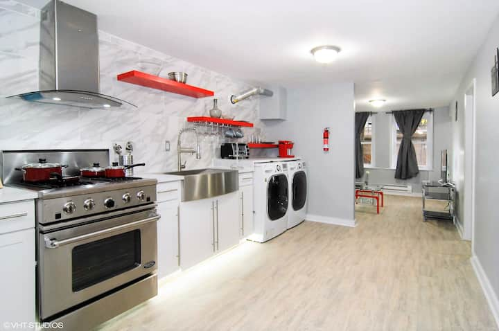 Pilsen Tranquil Renovated 2bed/1bath Apt MONTHLY