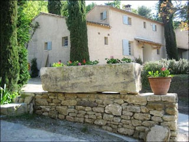 Maison Blanc - Exclusive Gem in the Luberon