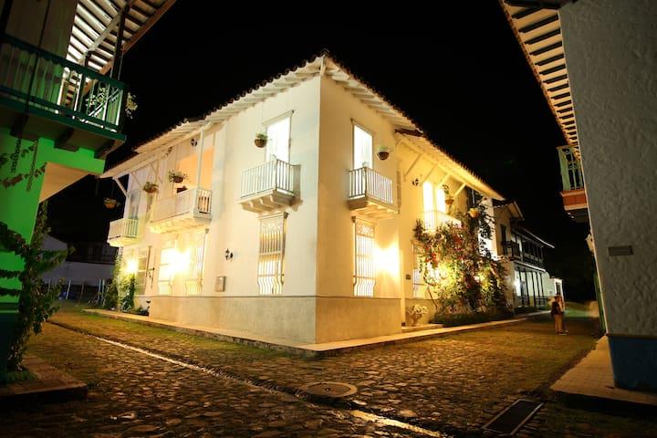 Hermosa Villa Campestre en Cauca Viejo