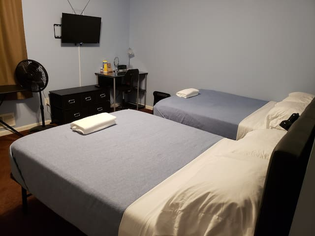 A3) BigRoom w/PrivateBath.Commute to Mall,EWR&NYC.