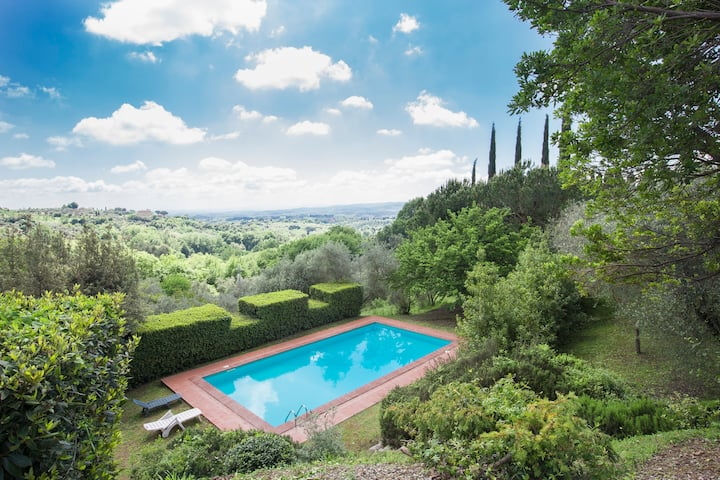 Villa with private pool 5 km Siena exclusive use
