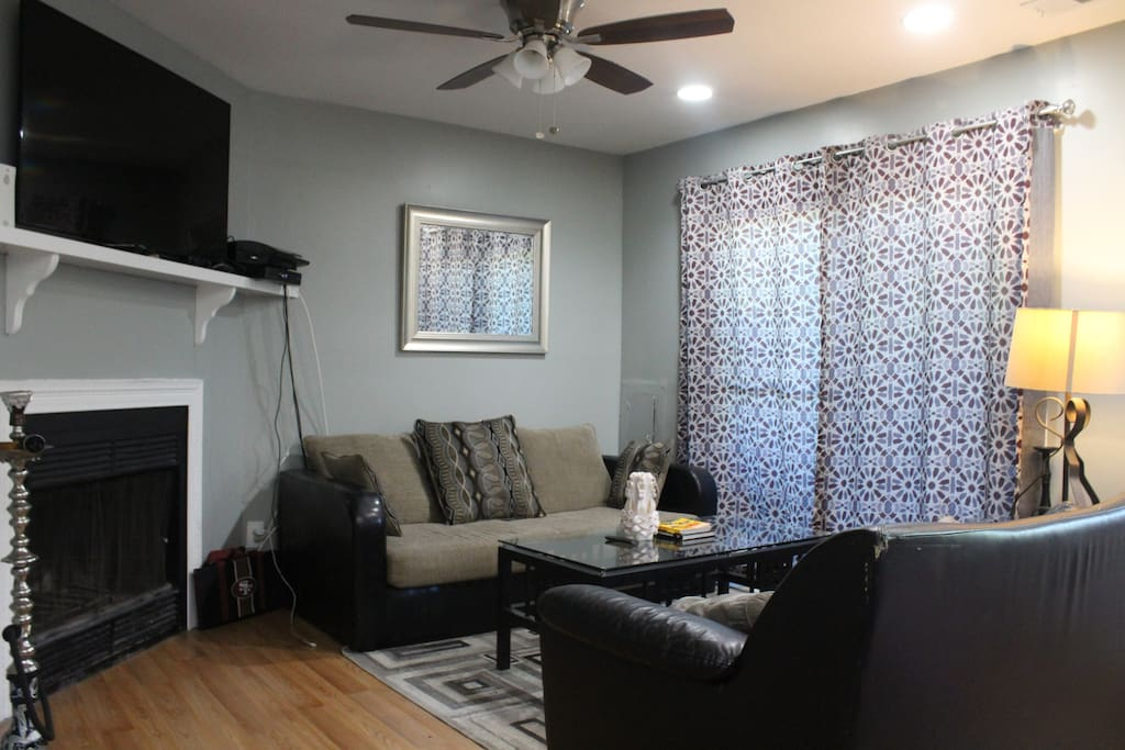 Family Room (View-2)