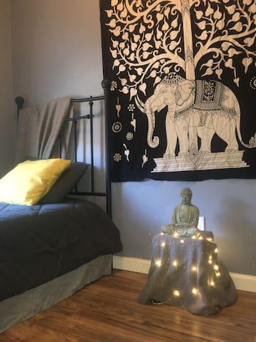 Peaceful Private Room in Brooklyn