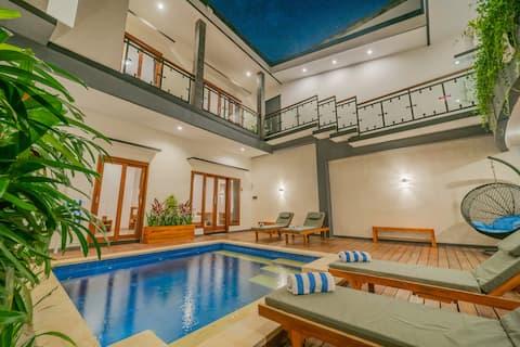 4BR Luxury Villa w Pool - Double6 Beach 2 min walk
