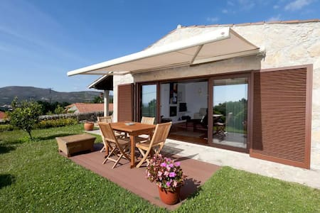 Beautiful holidays cottage with outstanding views - Vila Praia de Âncora - Hus