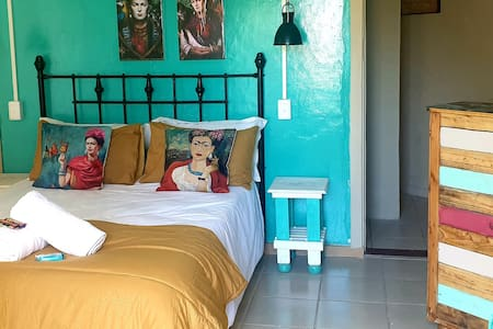 Sondelani 2 Budget Accommodation GONUBIE