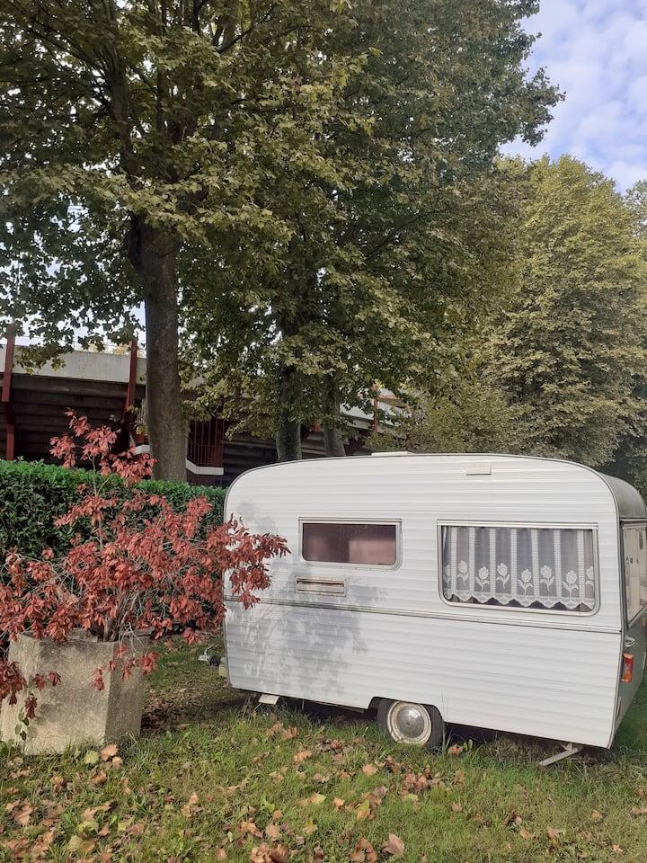 Caravane vintage rénovée