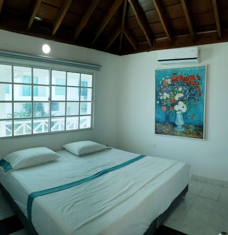 1ra Habitacion, con TV, cable, A.A, cama King size