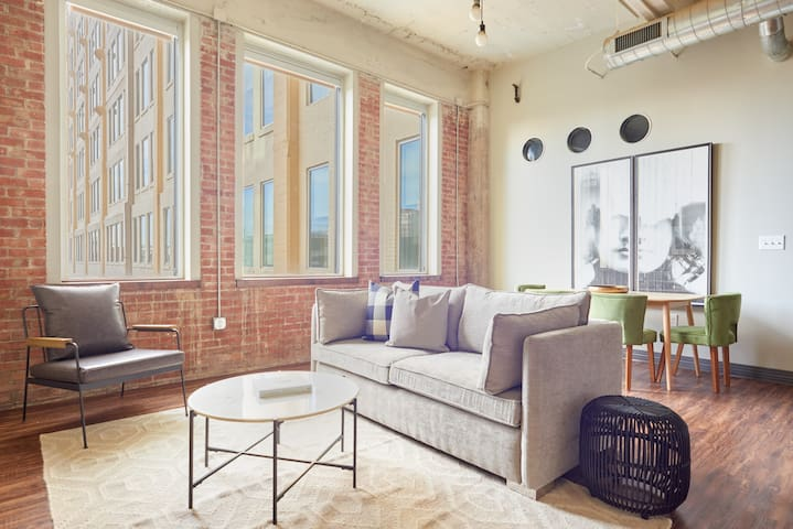 Sonder | Butler Brothers | Upscale 2BR + Pool